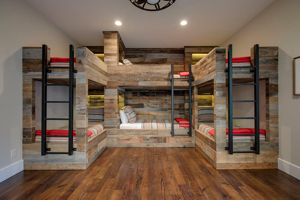 rsz_16-canyons-end_bunk_room